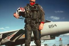 us-navy-f-14-tomcat-pilot-red-jersey-flight-deck-sweater