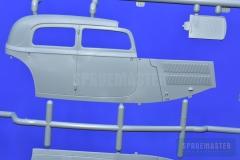 Mercedes-W142-Saloon-018